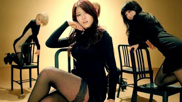 Seolhyun Miniskirt