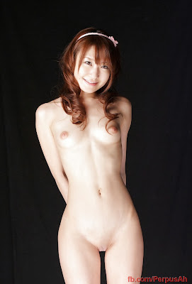 Foto Model Jepang 17 Tahun Bugil Hot Memek Mulus