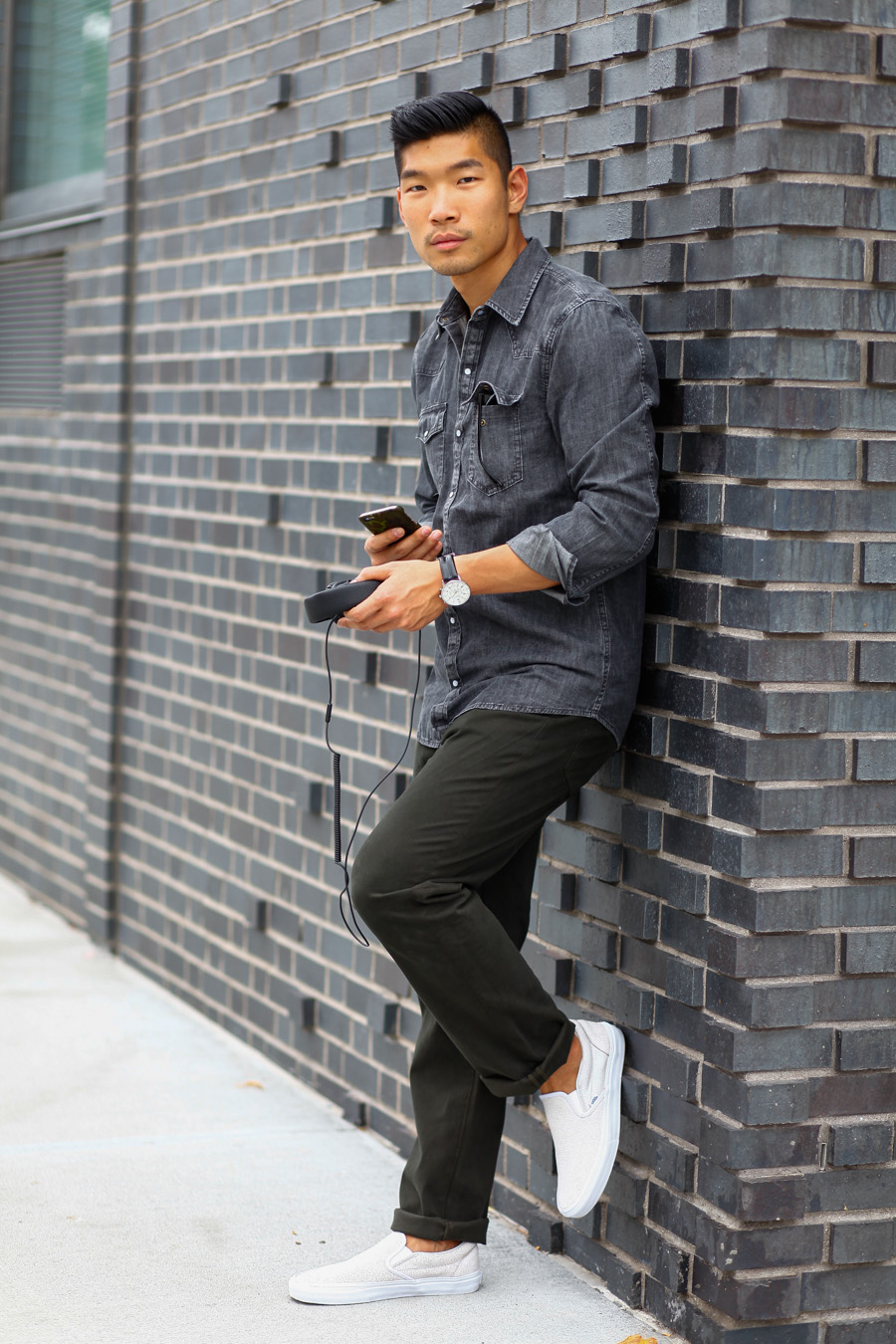 Levitate Style, Menswear, Weekend Casual Style, Big Star Denim Chambray, Mashall Headphones, Ullu phone case, Vans