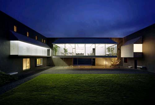 Home and design inspiration modern japanese house design for Modern japanese house design by hiroshi nakamura
