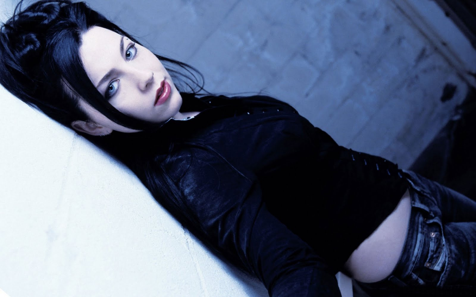 from Jayvion hot sexy pictures of amy lee