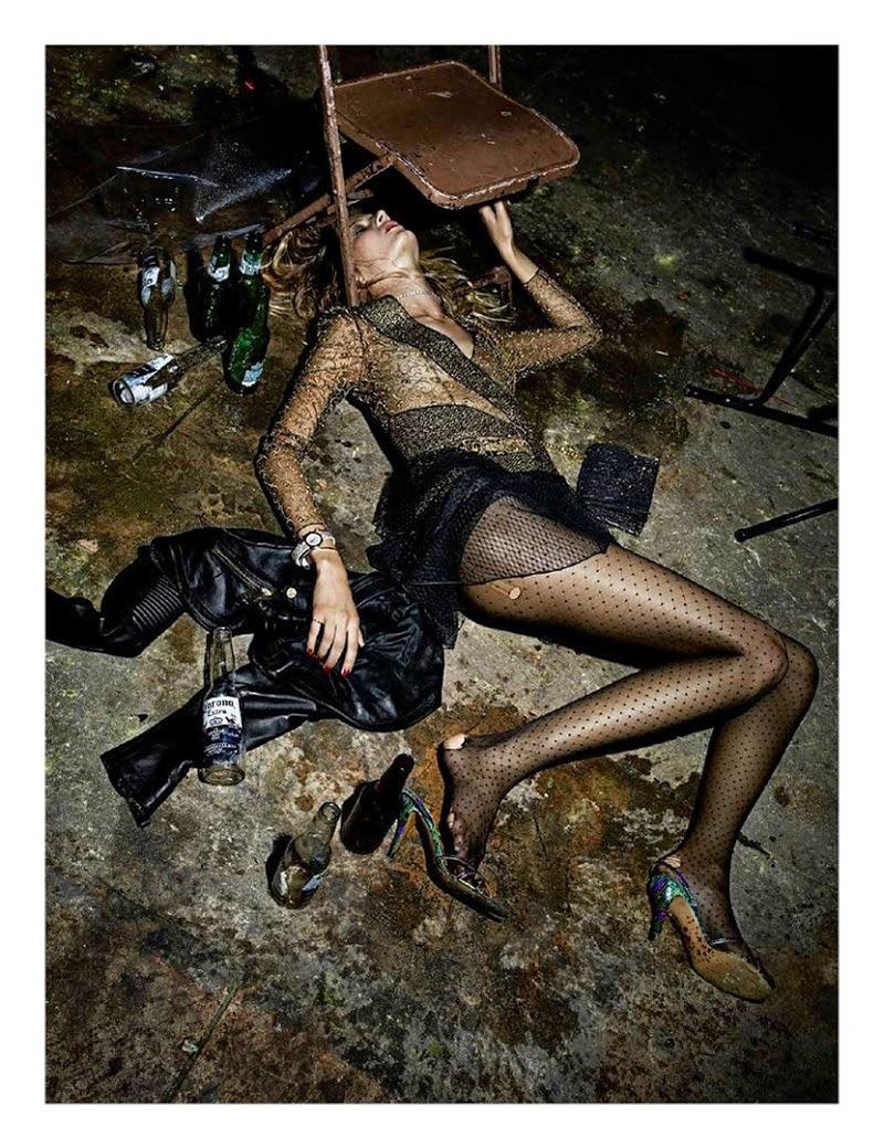 Пьяная девушка в грязи 24 фотография