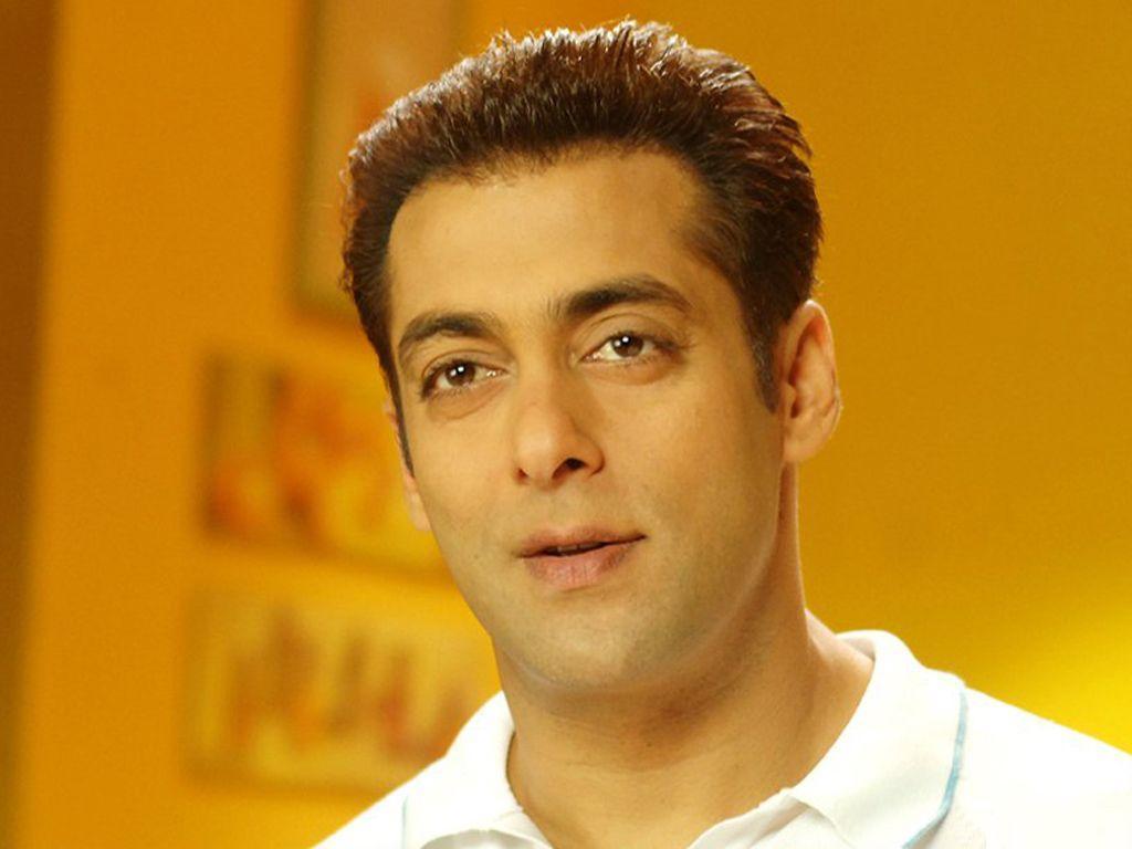 Photos When Salman Khan sported a ganji at Amrita Kak s wedding
