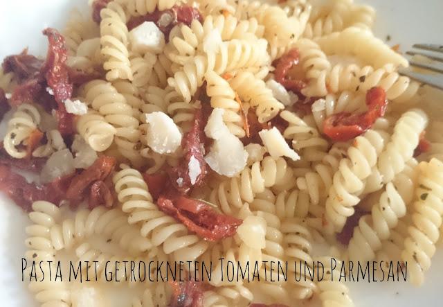Rezept Pasta mit getrockneten Tomaten und Parmesan