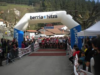 http://mendilasterketa.blogspot.com.es/2012/03/arriaran-go-mendi-lasterketan-elena.html