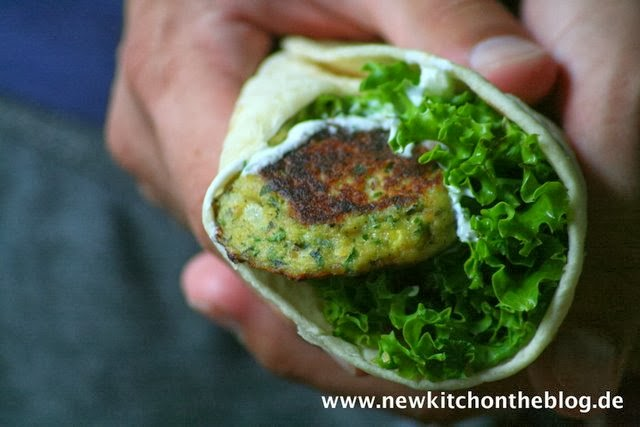 Wrap mit Zucchini-Bratlingen