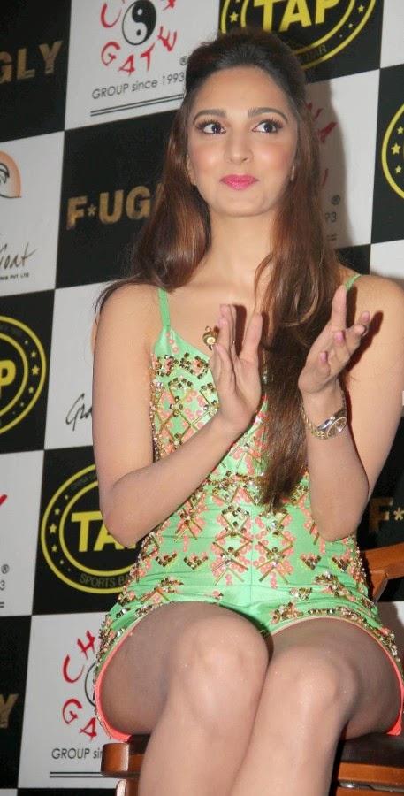 'Fugly' Film Actress Kiara Advani Latest Hot Pics,Kiara Advani hot pics in mini skirt green mini skirt