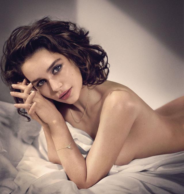 Emilia Clarke en topless
