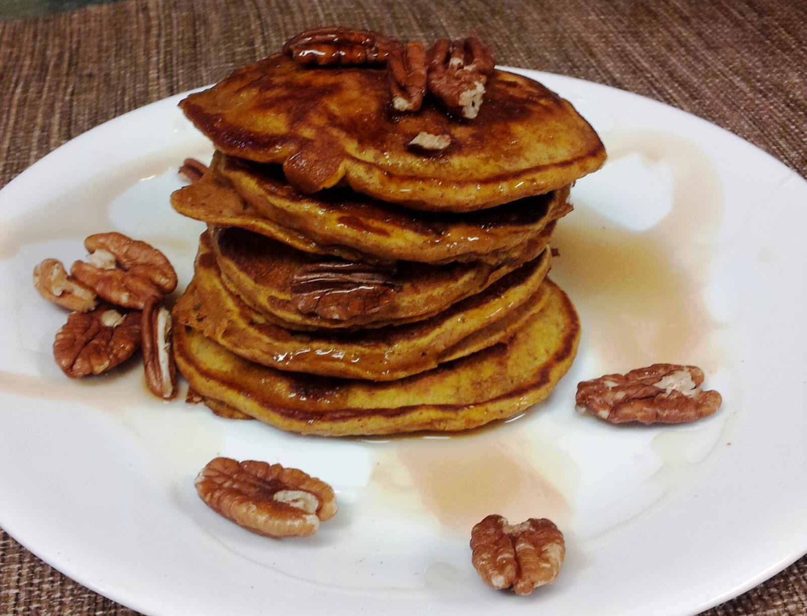 Debbi Does Dinner... Healthy & Low Calorie: Pumpkin Pie Pancakes