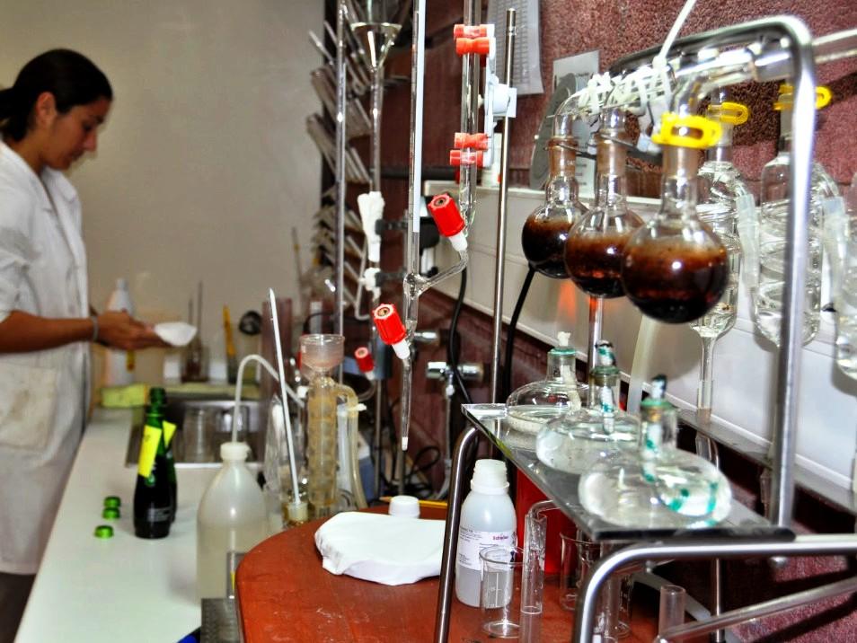 Urbina Vinos Blog: Organización y Mantenimiento del Laboratorio ...