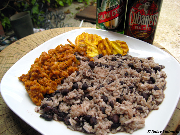 Arroz con frijoles y picadillo a la habanera (Cocina Cubana)