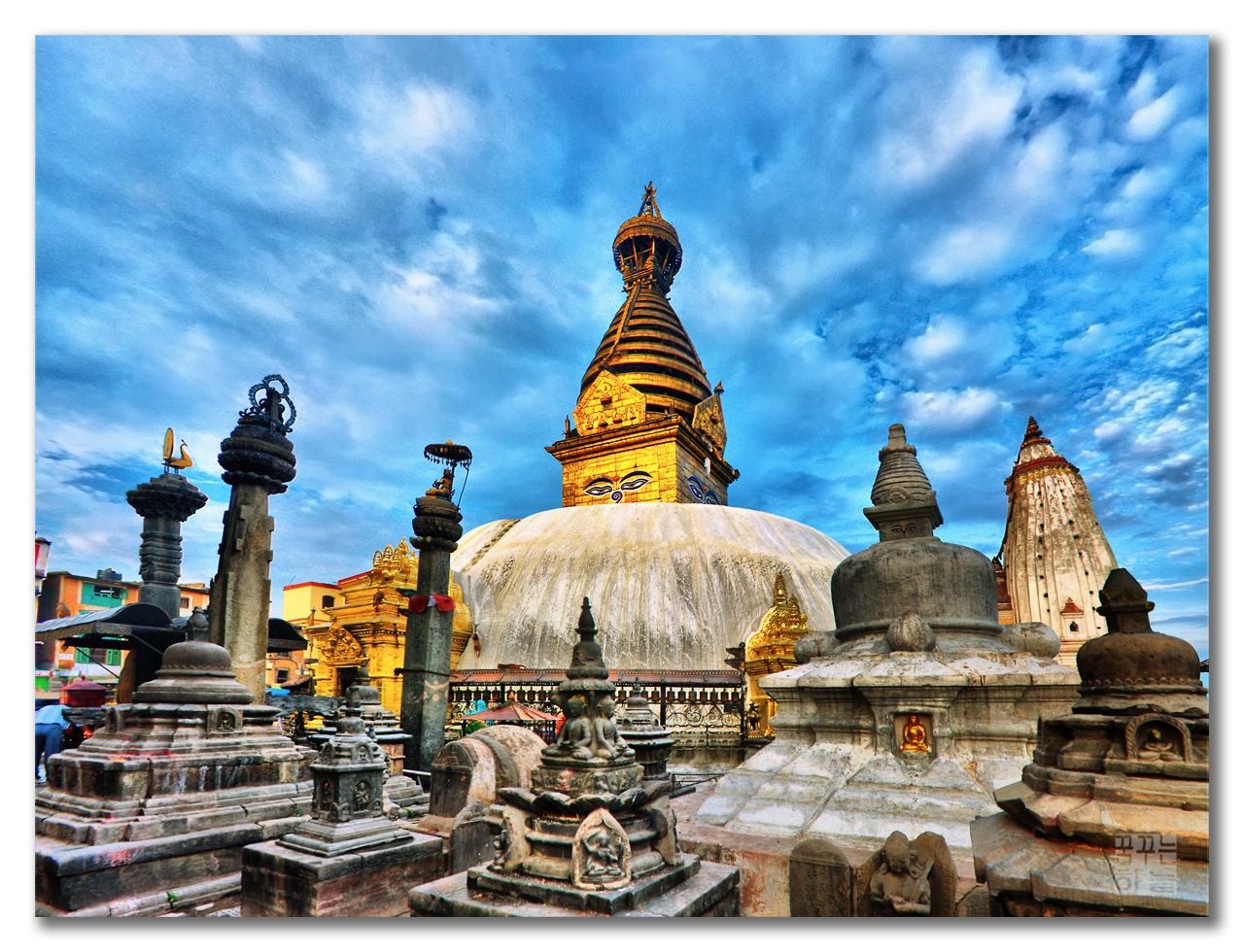 http://4.bp.blogspot.com/-7Dt519bqzAE/Tm743MqLksI/AAAAAAAAJp0/FCnal-unNXk/s1600/free-desktop-wallpaper-Nepal-Kathmandu-HDR-TheDreamSky.jpg