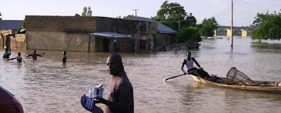 MAS DE 2 MILLONES DE DESPLAZADOS POR INUNDACIONES EN NIGERIA Flood-620x250