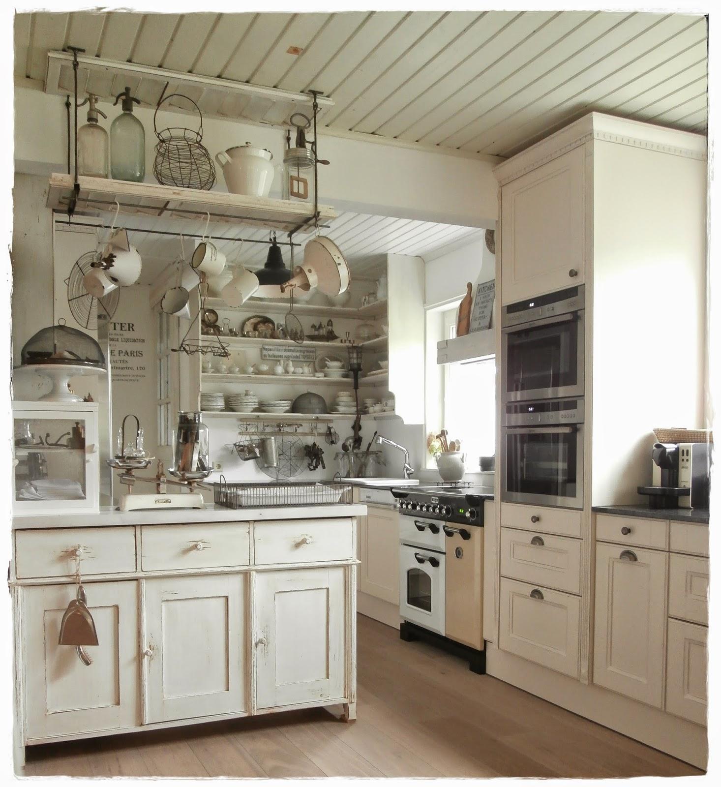 alte kommode dekorieren innenr ume und m bel ideen. Black Bedroom Furniture Sets. Home Design Ideas