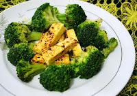 Tirinhas de Tofu com Brócolis (vegana)