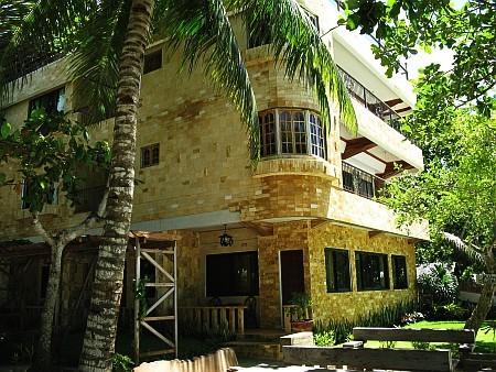 Dumaluan Beach Resort  Website
