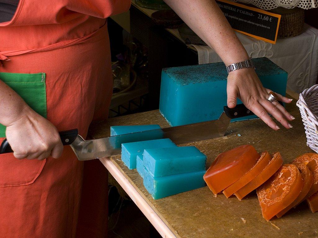 Las hadas y el caldero escuela de brujas como hacer - Como hacer puff artesanales ...