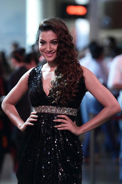 Gauhar Khan sweet Look