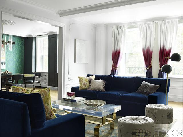 Einrichten mit Tapete – Wohnen mit Eleganz: Weiß im Wohnzimmer bzw. Kaminzimmer