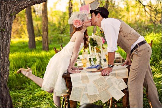 http://4.bp.blogspot.com/-7EiRsctg69E/Tc5SNyQgTOI/AAAAAAAAFjc/RUyRQPe-75M/s1600/vintage_wedding_ideas1%255B1%255D.jpg
