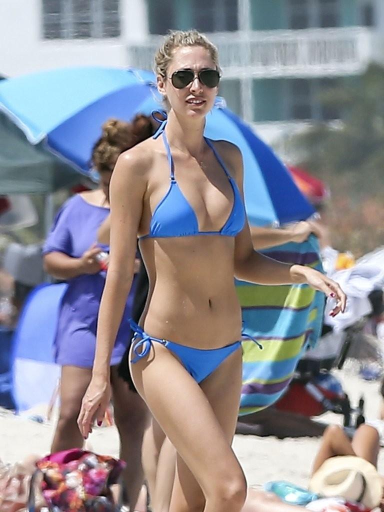 Bikini Lauren Stoner naked (73 photo), Tits, Is a cute, Selfie, braless 2006