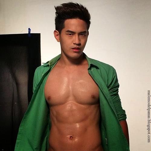 muscle wet asian men abs