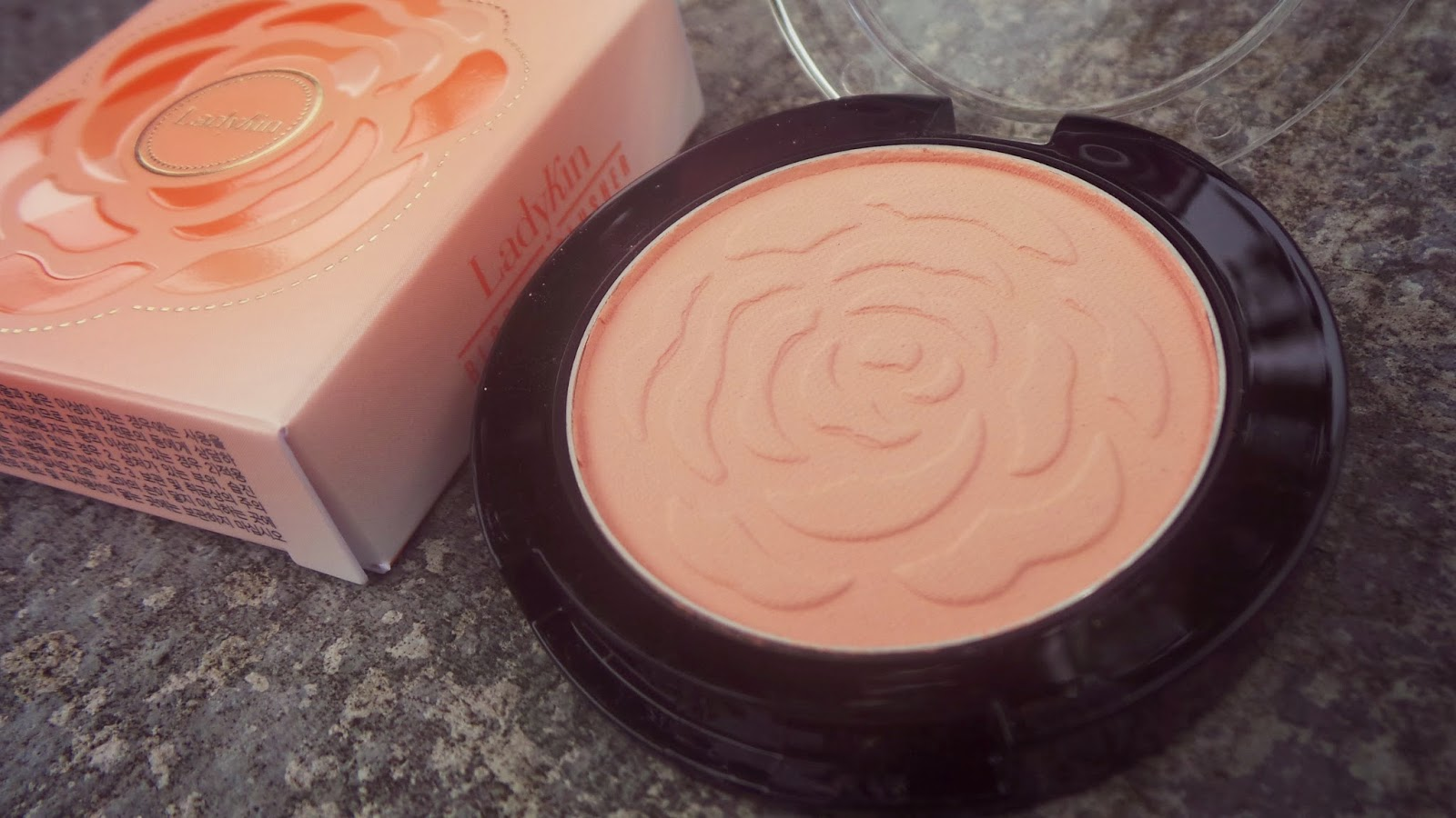 pretty flower apricot blusher