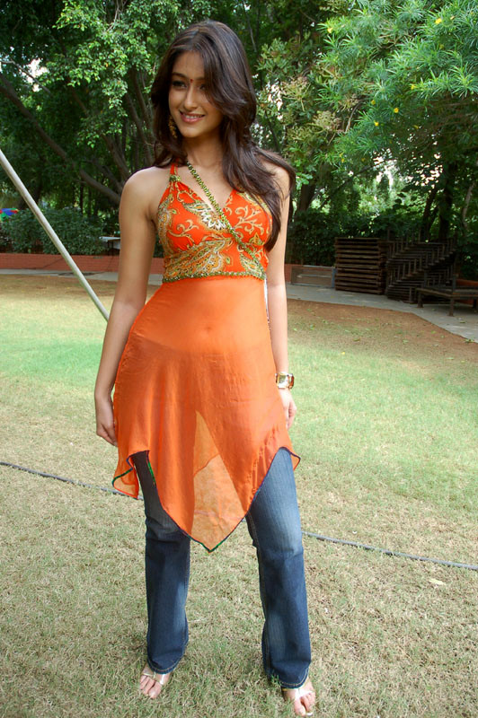 Hot South Indian Curvy Actress Ileana Pic In Blue Jeans Filmvz