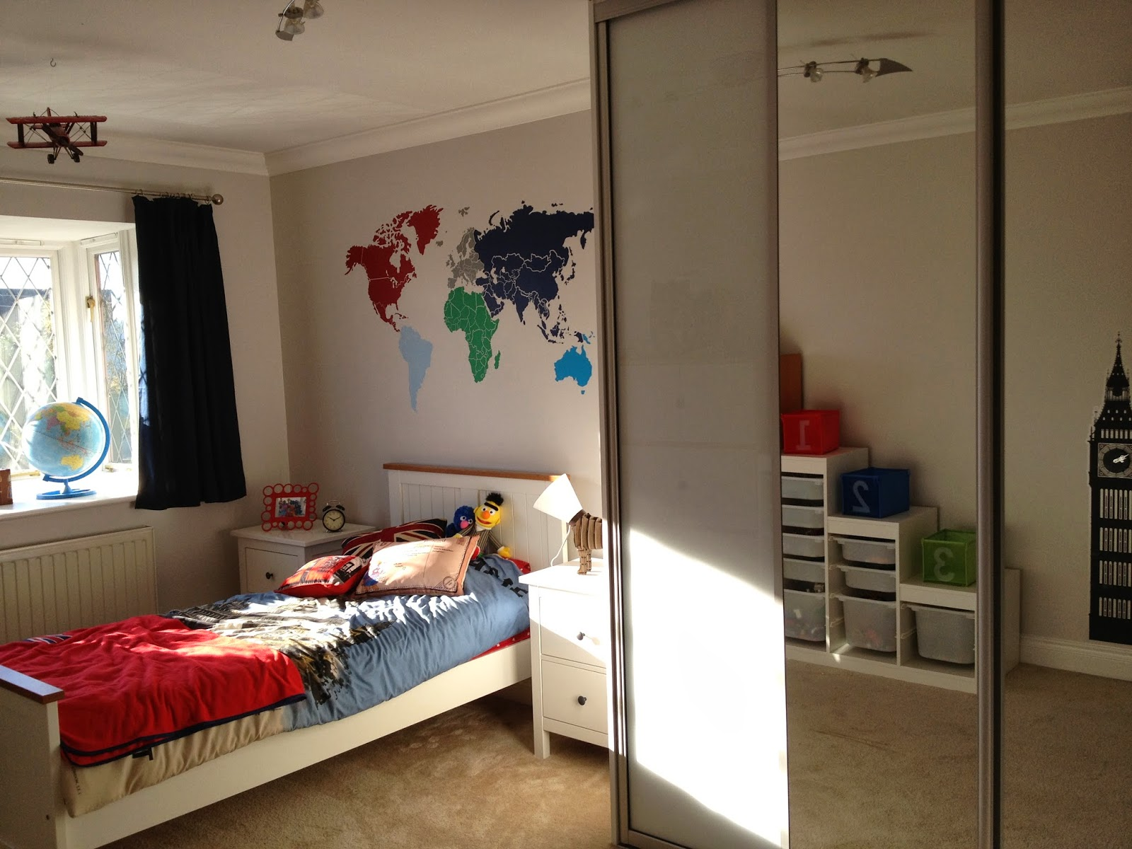 Boys travel world themed bedroom