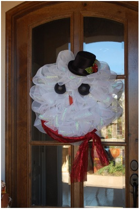 christmas door decorations, how to decorate door at christmas