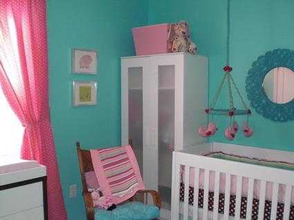 Habitaci n de beb rosa y turquesa dormitorios con estilo - Color turquesa en paredes ...