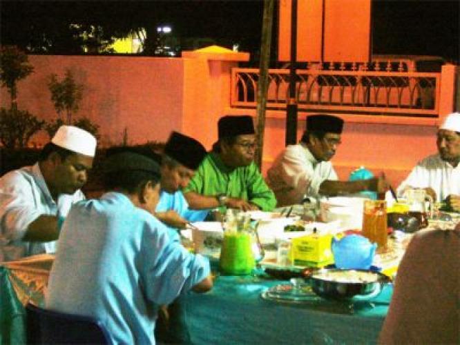 Ihya' Ramadhan - Apakah Keberkatan Makan Sahur?