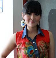 Karya si cantik di Single dalam album terbaru 2013 - http://musik-mp3-lagu.blogspot.com/