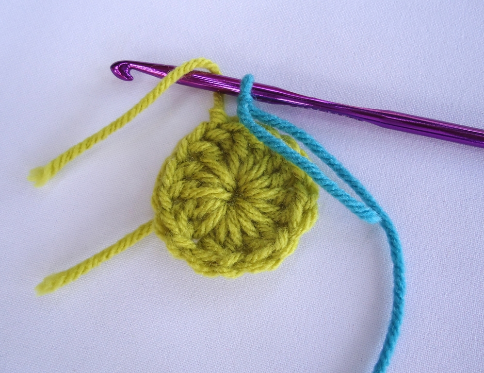 Knitting Stitch Like A Knot Crossword : Stitch of Love: ~ Tie a secure knot to join new yarn