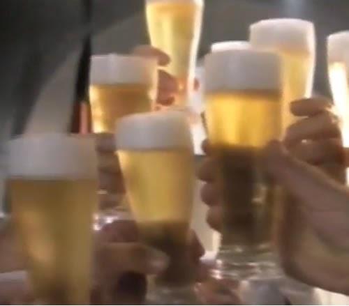 Comercial da Cerveja Antarctica - veiculado nno ano de 1997. Eleita em Berlin a melhor cerveja estrangeira.