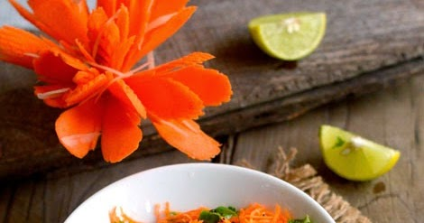 6 Anti-Aging Salad Recipes That Will Make Your Skin Very Happy