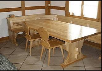 Mobili su misura arredamenti su misura di qualit tavoli for Tavoli in legno massello rustici