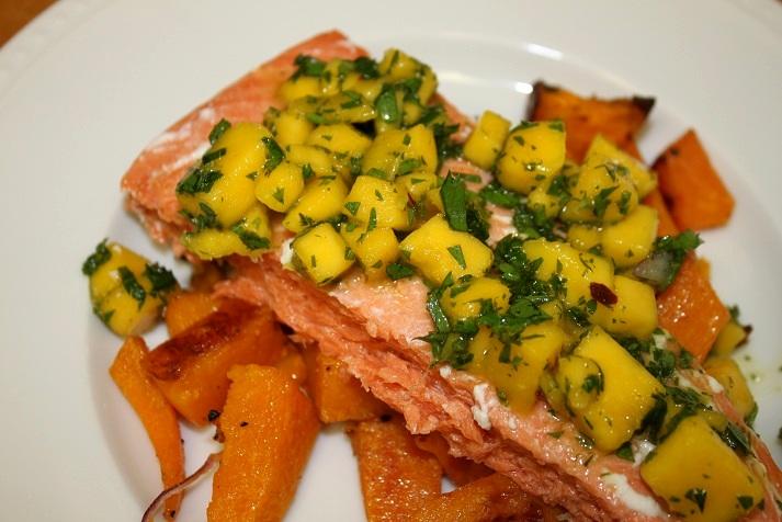 Fooditka: Summery Salmon with Mango Chimichurri Sauce