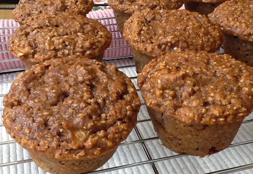 Pink-Vegan: Apple Oat Bran Muffins - Wheat Flour