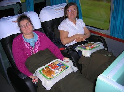 Desayuno autobús Tigre de Iguazú, Argentina, vuelta al mundo, round the world, La vuelta al mundo de Asun y Ricardo