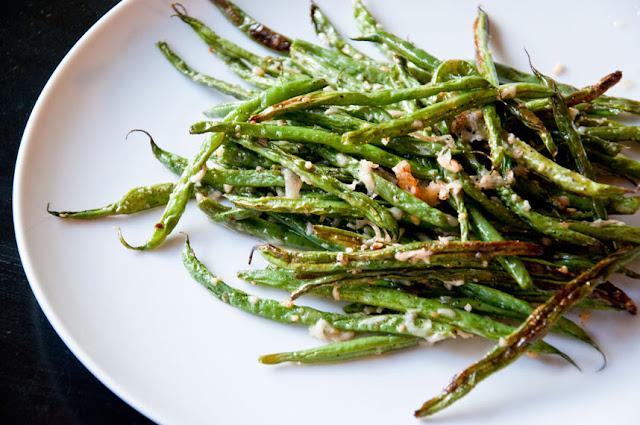 Rootandblossom: Oven Roasted Garlic Parmesan Green Beans