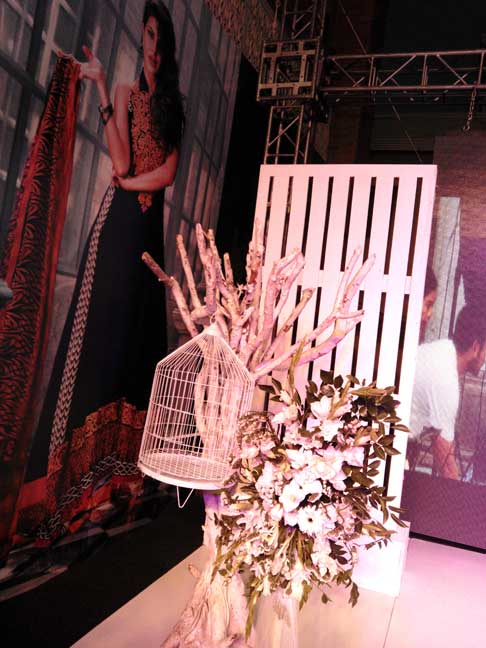 Zainab Chottani, Lawn spring summer 2015, Lawn designer, Lawn collection, Pakistani Lawn, Lakhany Silk Mills, LSM, Pakistan Fashion, Fashion Blog, red alice rao, redalicerao
