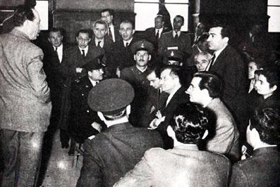 Στο δικαστήριο ο Νίκος Μπελογιάννης, ο Δημήτρης Μπάτσης, ο Νίκος Καλούμενος και ο Ηλίας Αργυριάδης