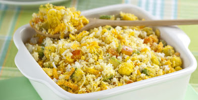 Receita de Farofa de legumes e ovos