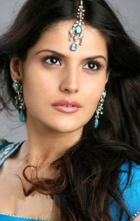 Zarine Khan Hot Wallpapers Sexy Zarine Khan Hot Photos Pictures amp Images cleavage
