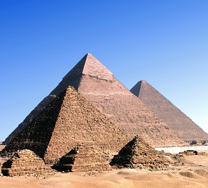 the question of who built the egyptian pyramids The aztecs, mayans, and ancient egyptians were three very different civilizations  with one very large similarity: pyramids however, of these.