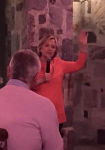 Shqiptarët në SHBA përkrahin fuqishëm kanditaturën e Hillary Clinton