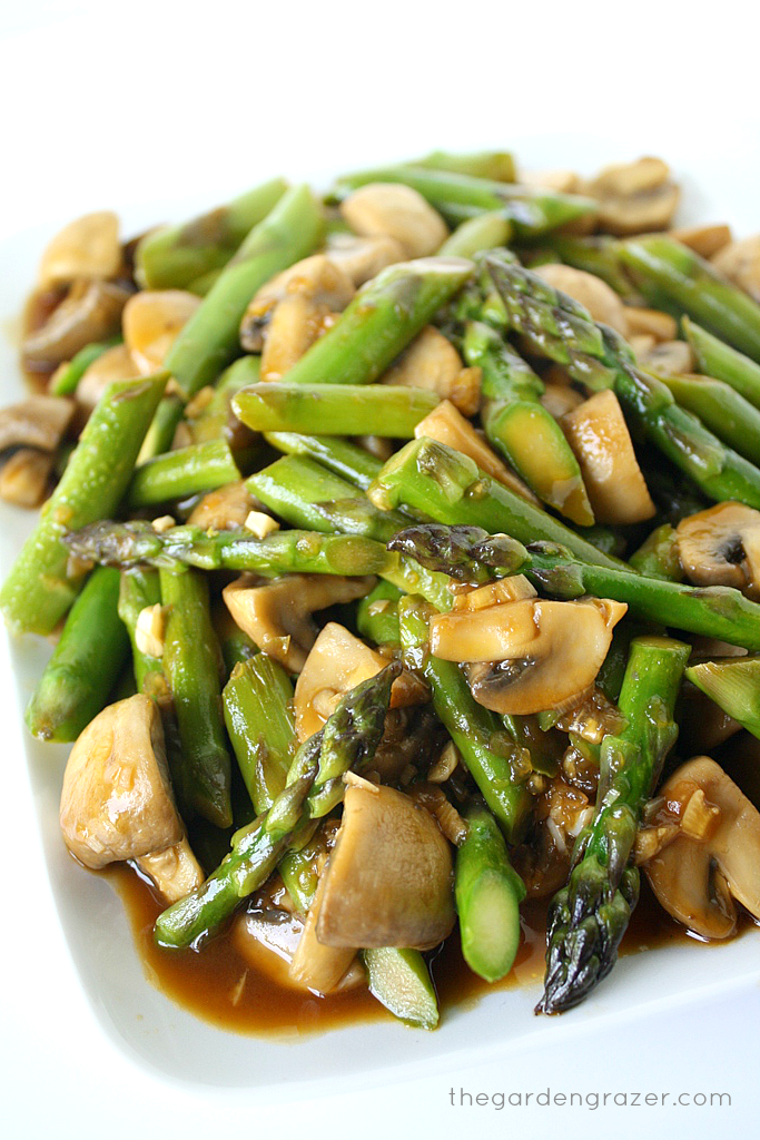 Chicken, Stir-fried Mushroom and Asparagus, and Marinated Carrots