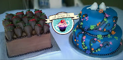 Blue Wedding Cake & Chocolate Covered Strawberry Grooms Cake
