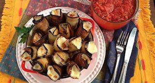 Berinjela ao creme de queijo e molho de tomate